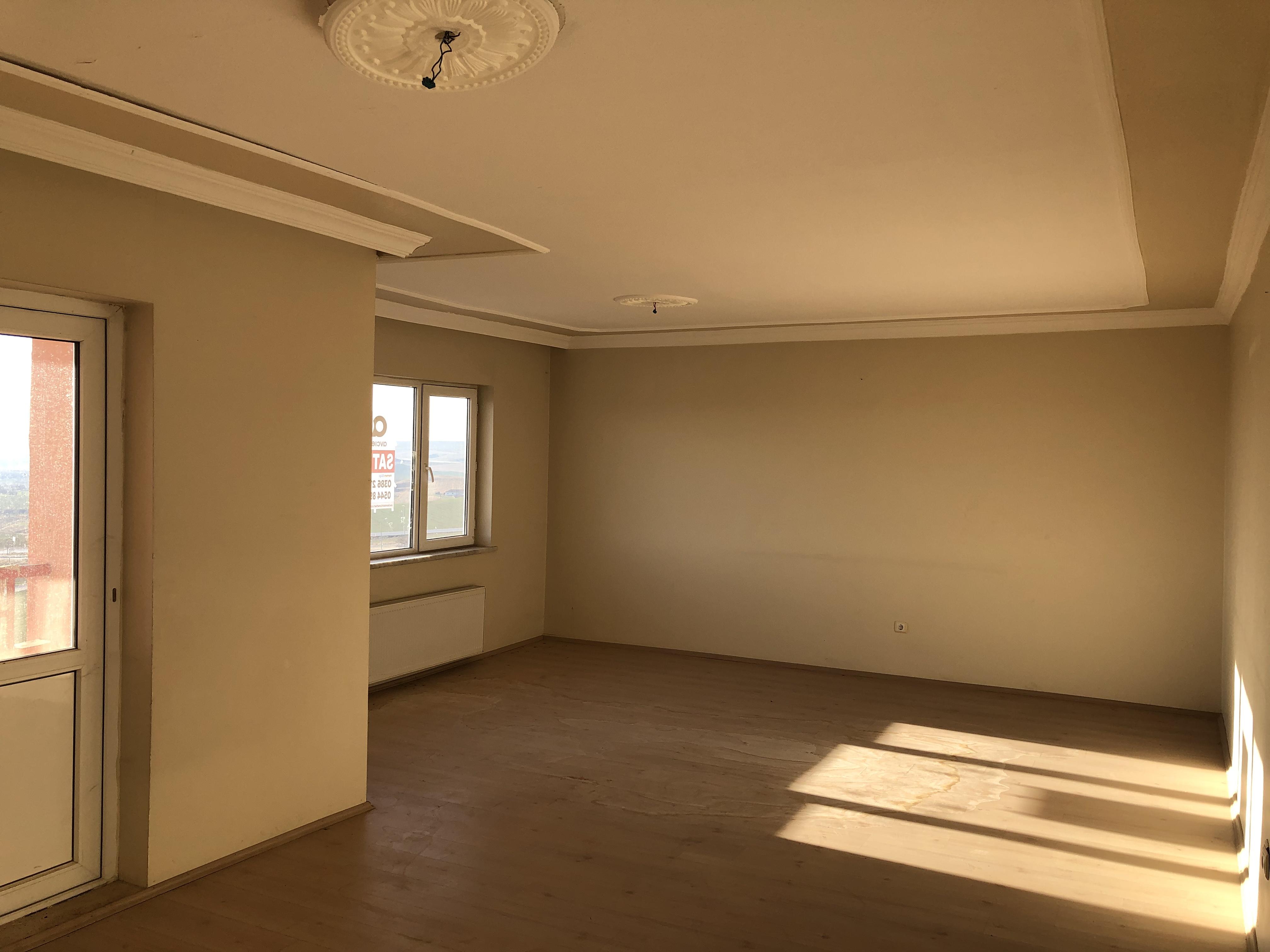 GÜNEYKENT TOKİ'DE 3+1 4.KAT 135 m2 DAİRE